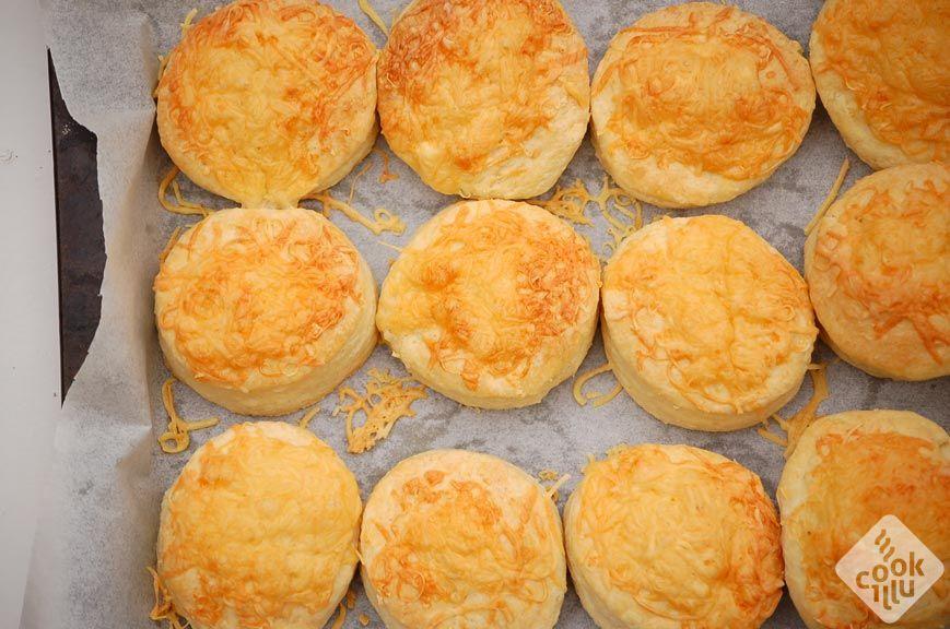 serowe-buleczki-scones