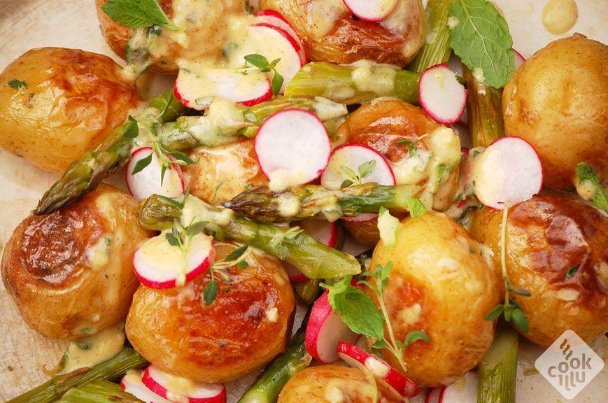 salatka-ze-szparagami-i-ziemniakami